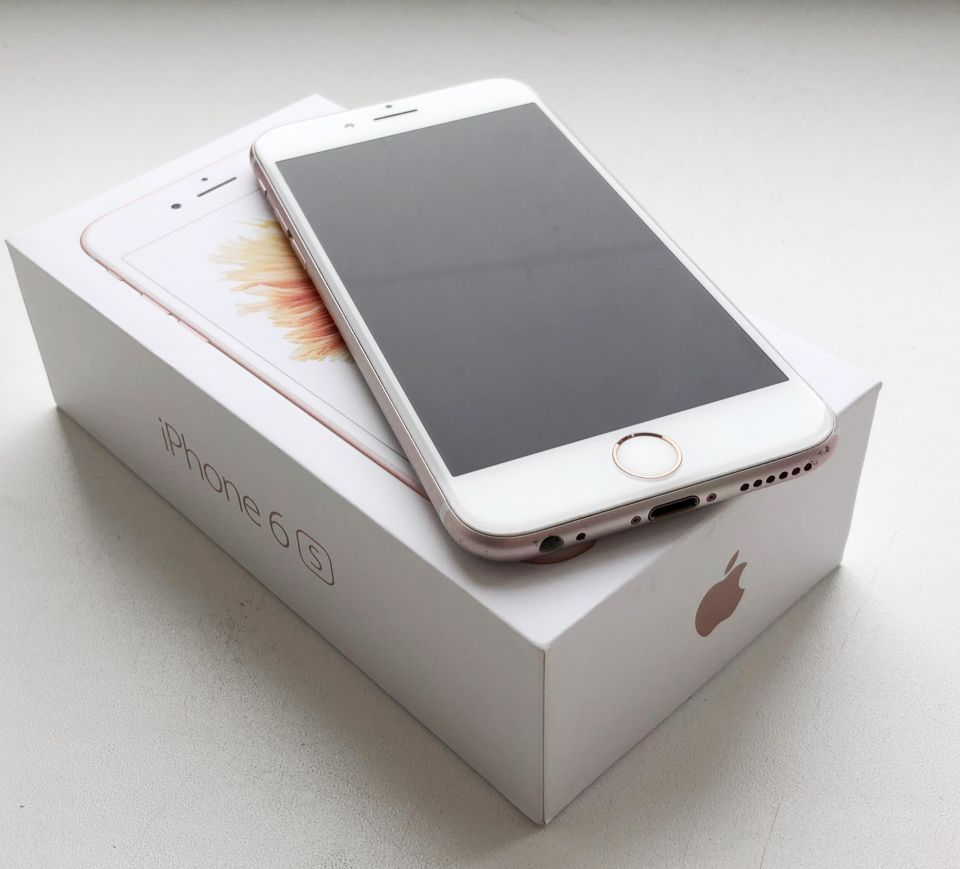 Продам Apple iPhone 6S, 64Gb - 0